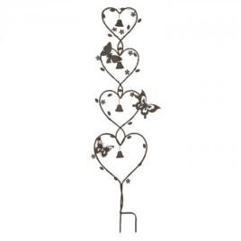 Zahradní dekorace v dekoru srdce