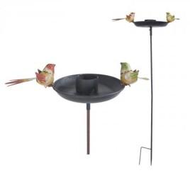 Zahradní pítko pro ptáky